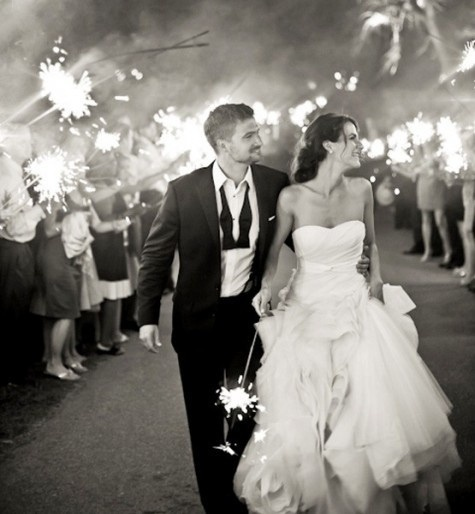 12 Utterly Brilliant Outdoor Wedding Ideas - Everyone loves a sparkler - they're a ton of fun, and make for great nighttime photos! Tailored Fit Films Kelowna Wedding Video
