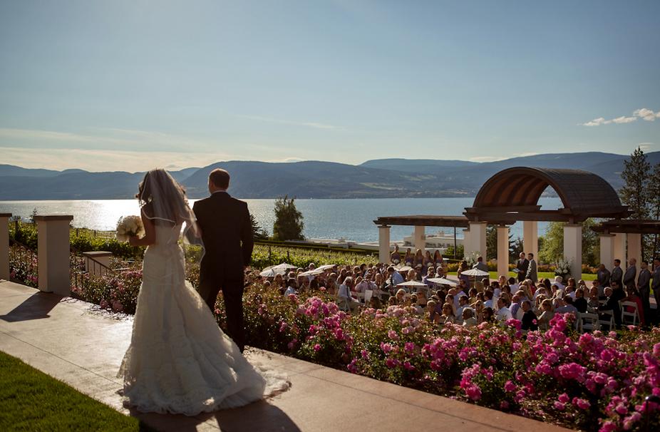 Cedarcreek Estate Winery Wedding Photos of Venue Ceremony Site