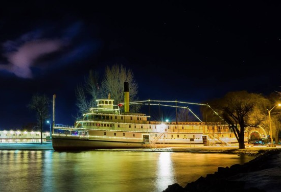 penticton wedding venues - ss sicamous at night