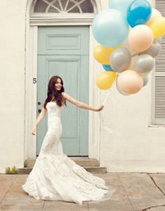 Balloons! AWESOME WEDDING PHOTO PROPS