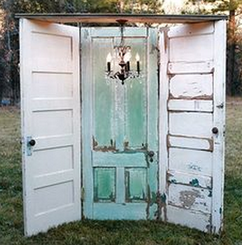 Creative Wedding Photography Props - DIY Door Archway