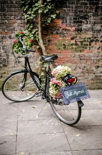 Wedding Photography Props - Flower Just Married Bicycle!