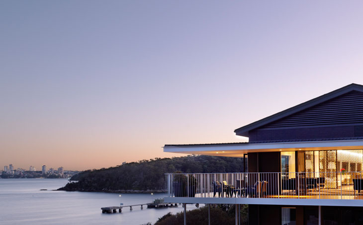 photo of sergeant's mess wedding venue at sunset chowder bay nsw australia